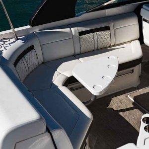 Sea-Ray-SLX-280-details3